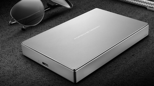 le disque dur lacie porsche design en usb c dress me geekly. Black Bedroom Furniture Sets. Home Design Ideas